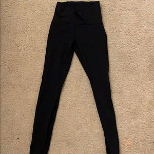 Lulu lemon legging size 4 only wore once